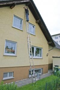 Лестница двухсекционная, выдвигаемая тросом 2х15